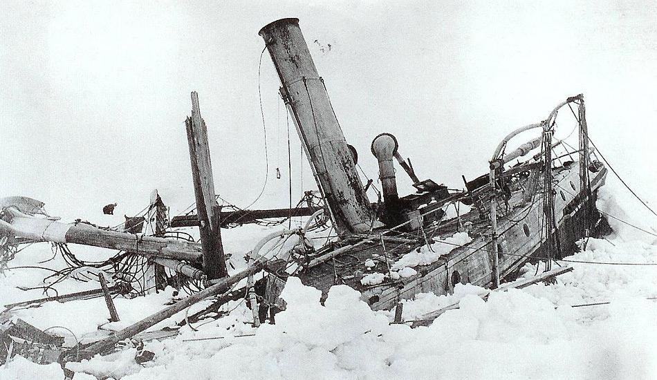 Geplant als Durchquerung des antarktischen Kontinents, mussten Shackleton und seine Männer bald aufgeben, weil sie ihr Schiff Endurance im Eis verloren hatten. Darauf führte Shackleton seine Crew auf einer epischen Reise zurück nach Elephant Island und segelte danach nach Südgeorgien, um Hilfe zu holen.